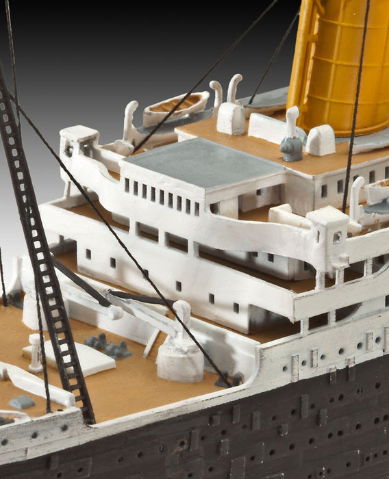 Revell R.M.S. Titanic Ship Plastic Model Kit