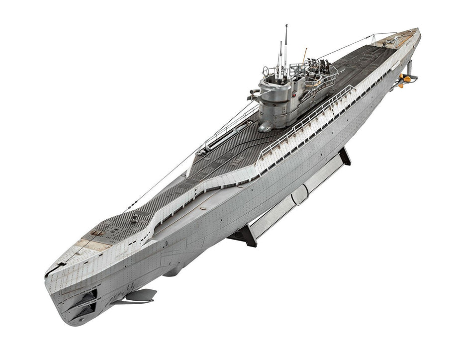 Revell GmbH 05133 Type IX C/40 German Submarine