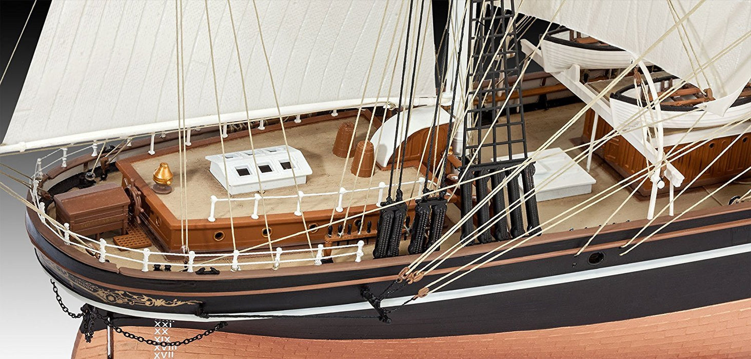 "Revell GmbH 05422 ""Cutty Sark"" Model Kit"