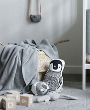 Penguin, Throw Pillow, WEE GALLERY-VONMEL Luxe Gifts