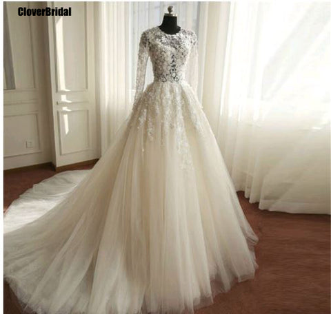 wedding dress buttons back flowing tulle long train