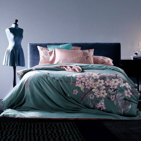 Luxurious flowers Embroidered bedding set 4pcs 100%cotton duvet cover set