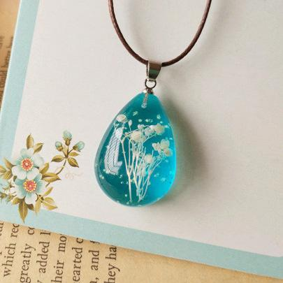 Handmade Natural Gypsophila Dried Flowers Noctiluc Necklaces Blue Transparen Jewelry