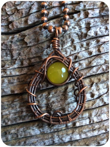 Green Agate Copper Wired Pendant
