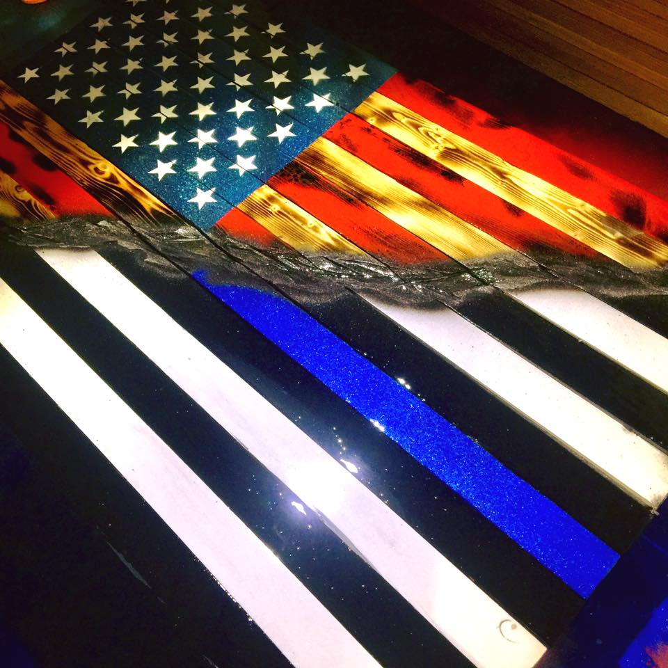 "32"" Split American Thin Blue Line"