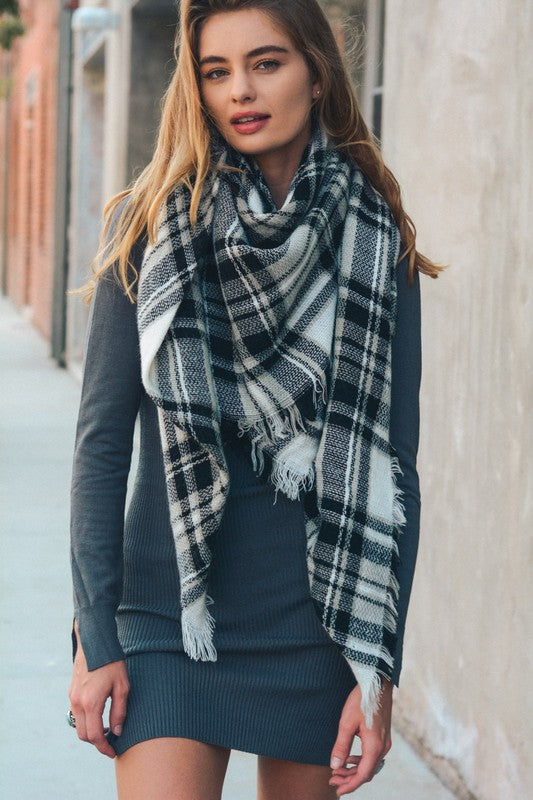 Classic Plaid Blanket Scarf Black and White