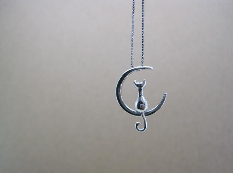 FREE Cat On The Moon Necklace - Kangaroo Buddy