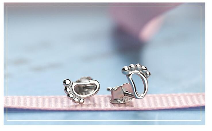 Lovely Baby Feet Earrings - Kangaroo Buddy