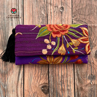 CARTERA BORDADA FLORES