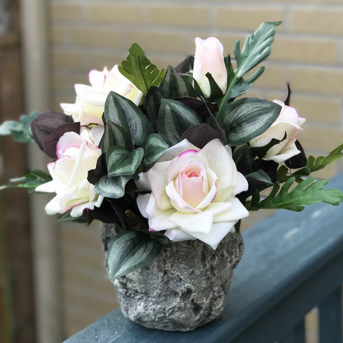 Stone Pot Rose - Decor Garden - SEO - Image
