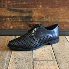 Women's lace up shoe in black perforated leather - Black Truffle