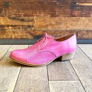 Mid heel perforated pink leather laceups by Relance - Black Truffle