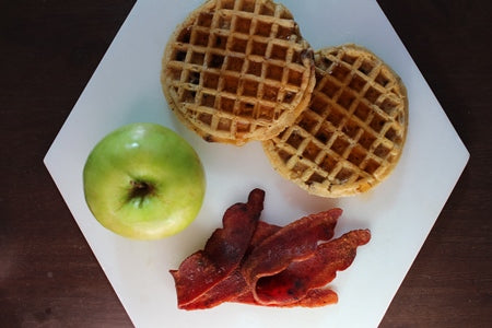 Chocolate Chip Waffle with Turkey Bacon / Waffle de Chocolate Chips con Bacon De Pavo