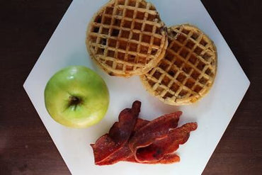 792 - Waffles de Chocolate Chips y Jamón / Chocolate Chips Waffles with Ham