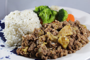 322 - White Rice and Picadillo with Ripe Plantain / Arroz Blanco y Picadillo con Amarillos