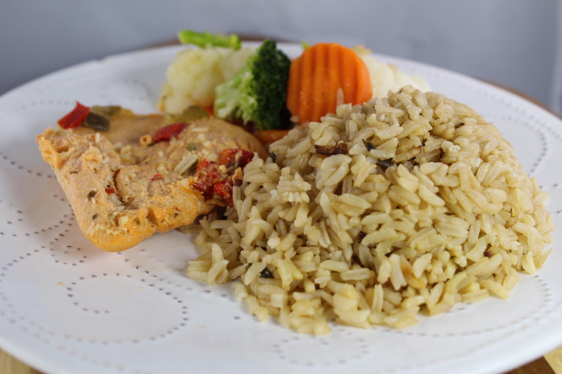 Arroz con Consomé y Pechuga Guisada / Rice with Consomé and Stewed Chicken Breast