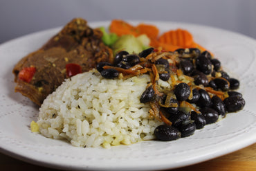 Arroz Blanco, Habichuelas y Tenderloin / White Rice and Beans with Tenderloin
