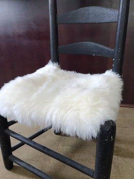 SHEEPSKIN CHAIRPAD : WHITE SHORT HAIRS