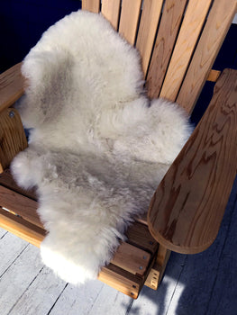 ICELANDIC SHEEPSKIN – WHITE - SHORT HAIRS
