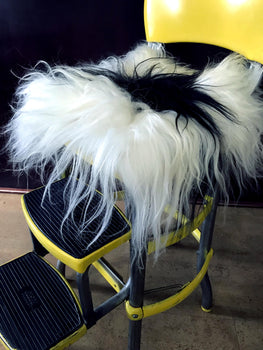 SHEEPSKIN CHAIRPAD : BLACK & WHITE LONG HAIRS