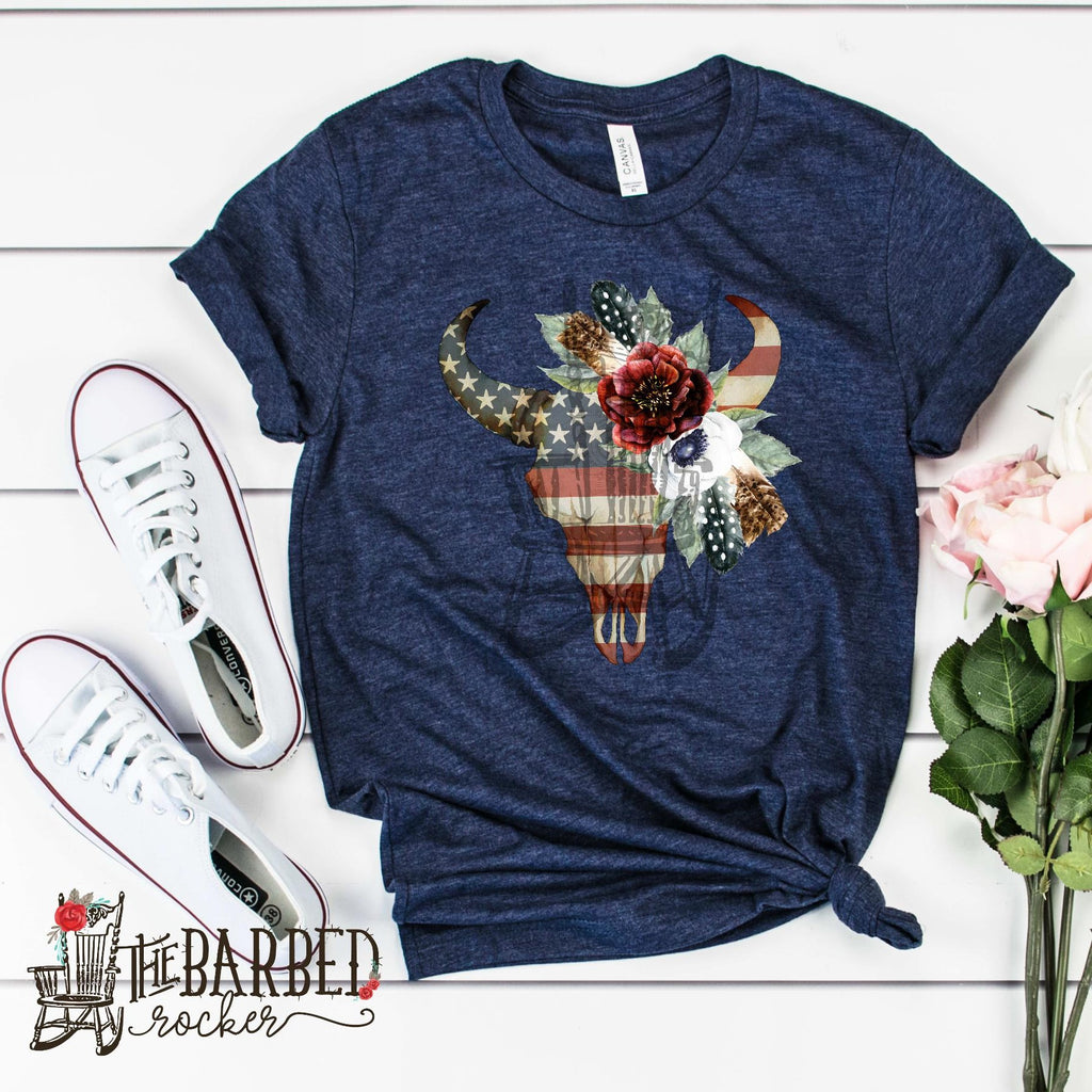 American Bull Skull Cow Skull Flowers and Feathers Women's, Casual T-shirt