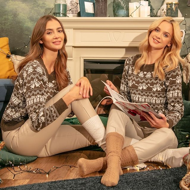 F1136 Christmas Jumper In Brown