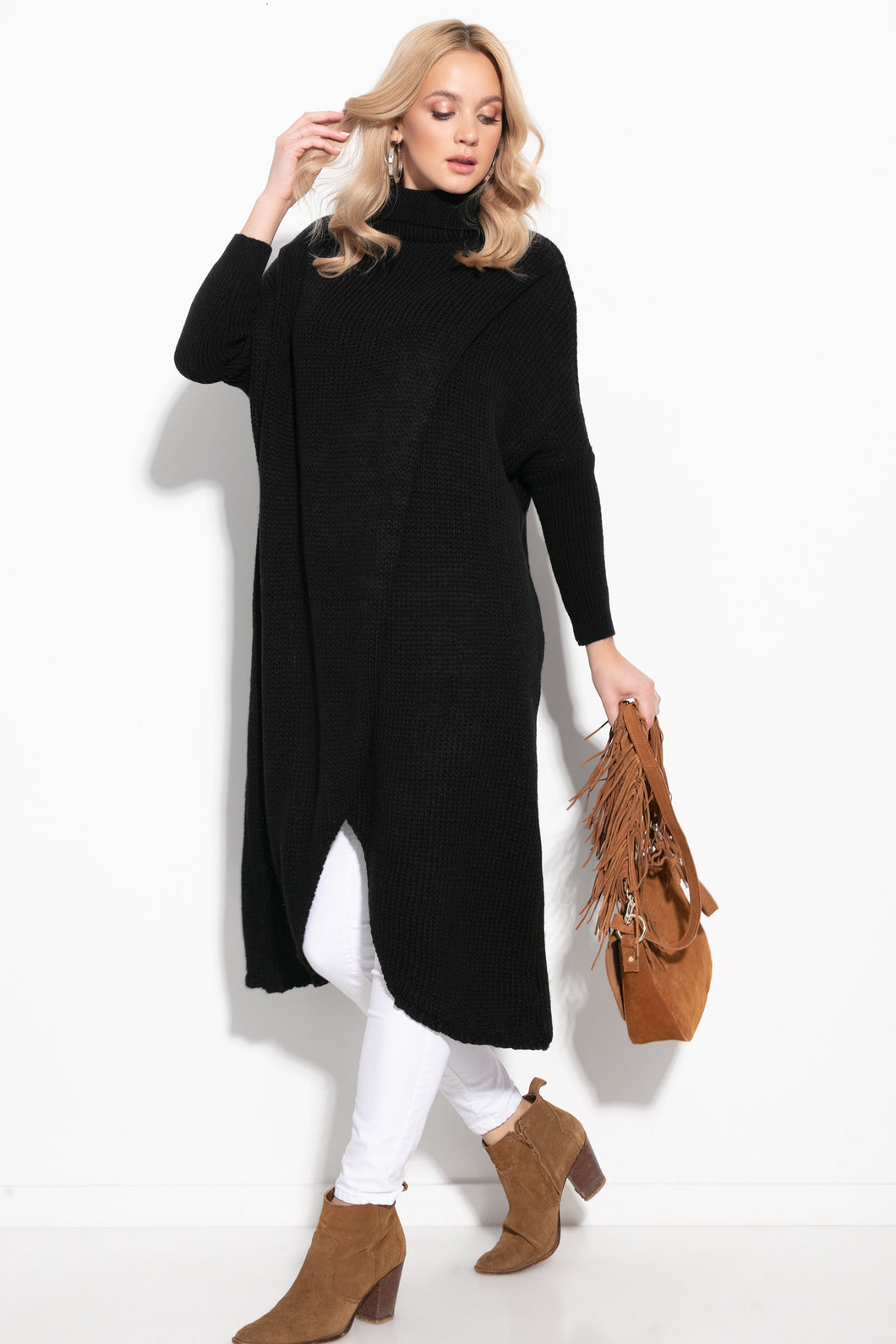 F1052 Oversized Turtleneck Wool-Blend Long Jumper In Black