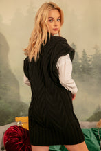 F1143 V-Neck Long Wool Vest In Black