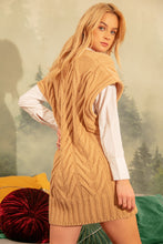 F1143 V-Neck Long Wool Vest In Carmel