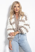 F1057 Oversized Chunky Knit Short Cardigan In Ecru-Brown