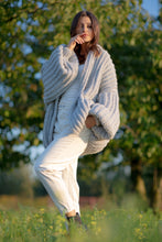 F1090 Chunky Knit Pocket Cardigan In Grey