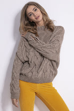 F850 Slit-Sleeve Cable-Knitted Sweater In Brown