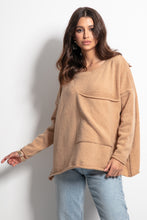 F1056 Oversized Pocket Front Wool Sweater In Carmel