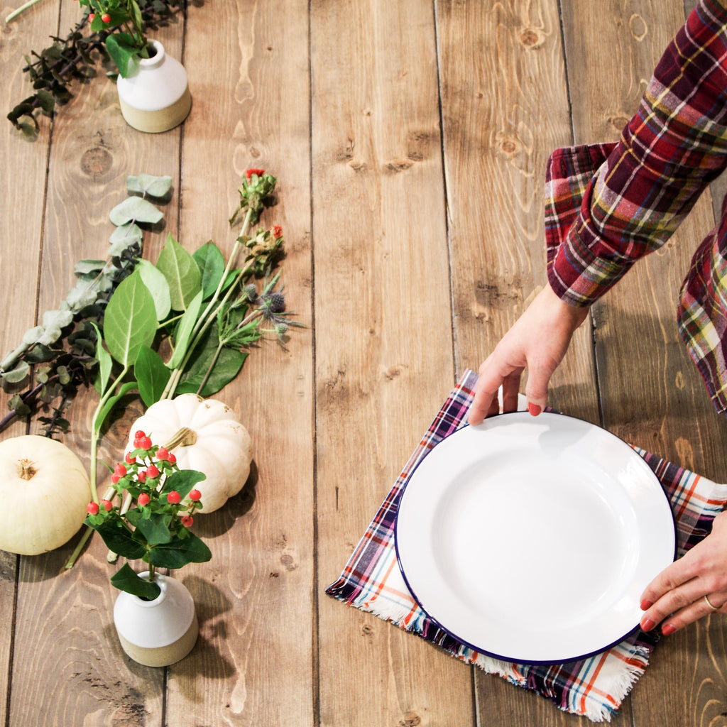 Effortless Chic Thanksgiving Tablescape