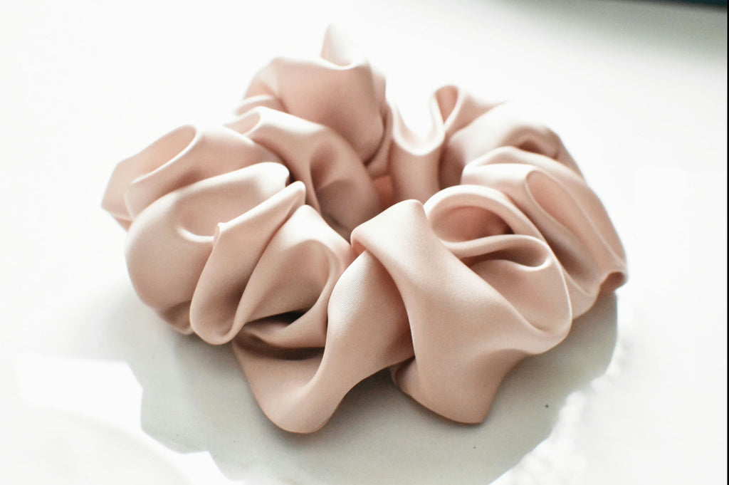 The Hair Clip Gurl Scrunchie- Blushing