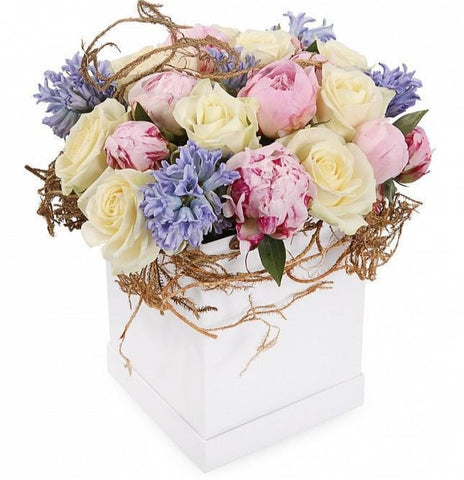 Fragrant Pastel Tones Signature Box