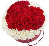 Red Roses Heart in Hat Box