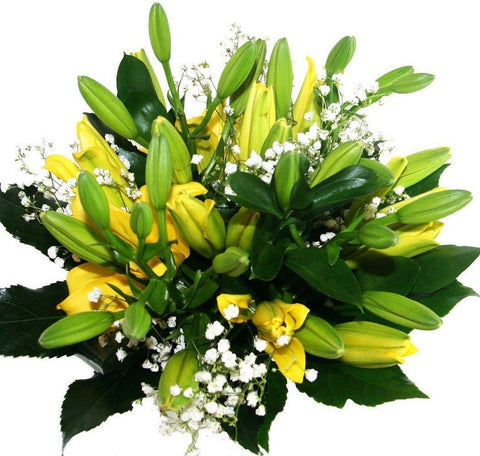 Yellow Lily with Gypsophila