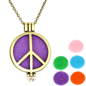 Vintage Aromatherapy photo frame Lockets necklace pendant charms Essential Oil Diffuser Lockets Pendants Perfume  Hollow peace