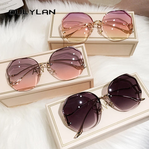 Image of Oulylan Fashion Tea Gradient Sunglasses Women Ocean Water Cut Trimmed Lens Metal Curved Temples Sun Glasses Female UV400