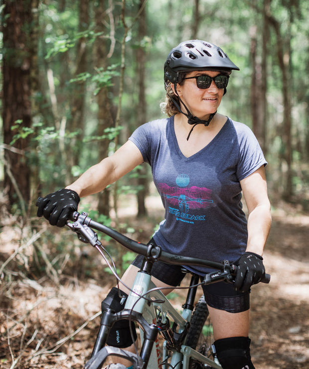 "IN SEARCH OF SINGLETRACK ""GRID"" WOMEN'S SHIRT  (MIDNIGHT NAVY)"