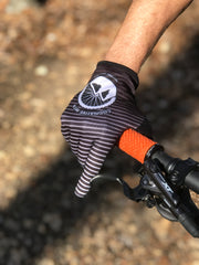 Cognative MTB Mountain Bike Gloves on mountain biker