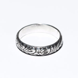 Flower Patterned Ring, sterling silver, oxidized, vintage flower pattern