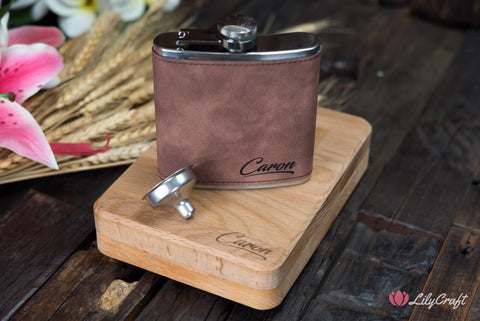 leather hip flask with wooden box