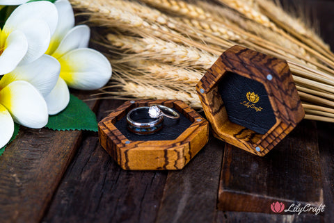 wedding photography ring box