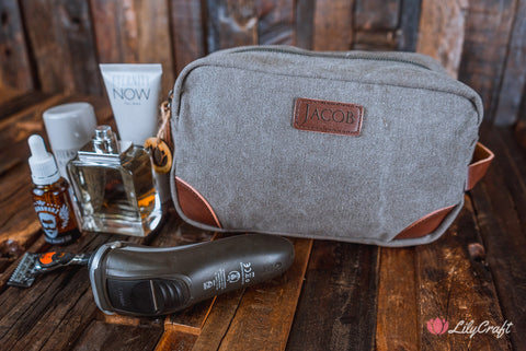 Groomsmen's Travel Size Toiletry Bag, Personalised Mens Toiletry bag. Best Man gift bag, groomsmen gift bag. Canvas leather toiletry bag.
