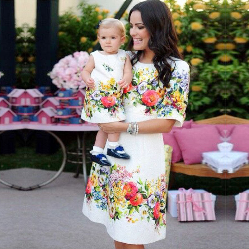 Dove White Half Sleeve Floral A-Line Knee-Length Dress