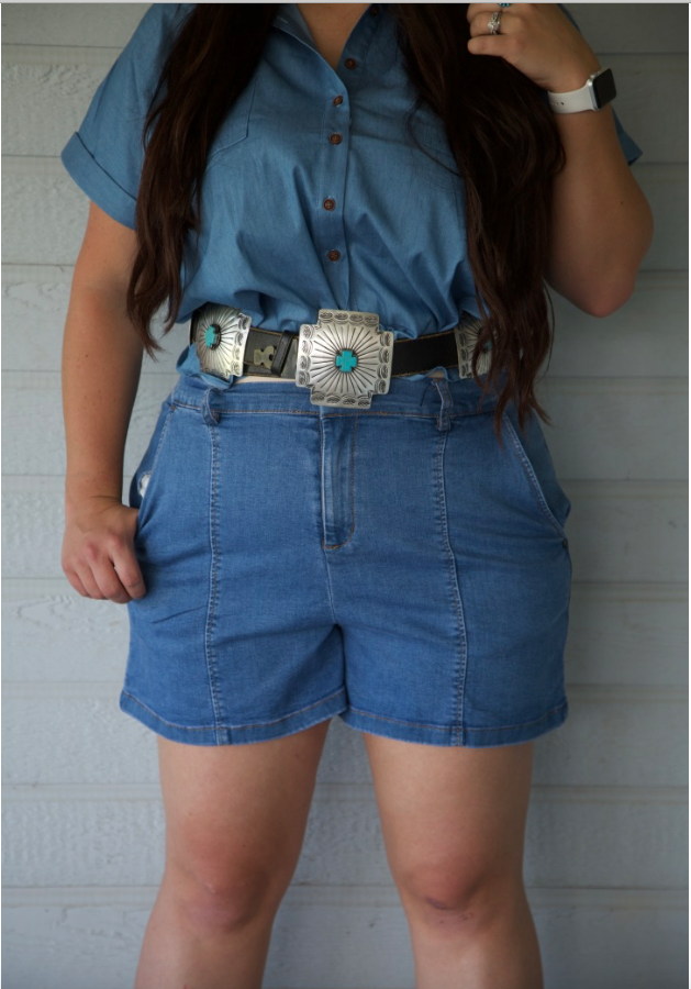 Plus Size El Paso Light Wash Denim Shorts