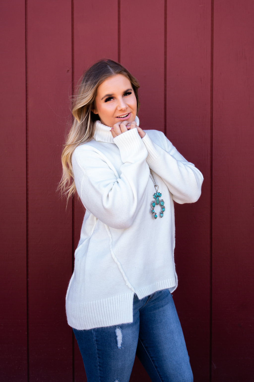 Snow Bowl Turtle Neck Sweater Top