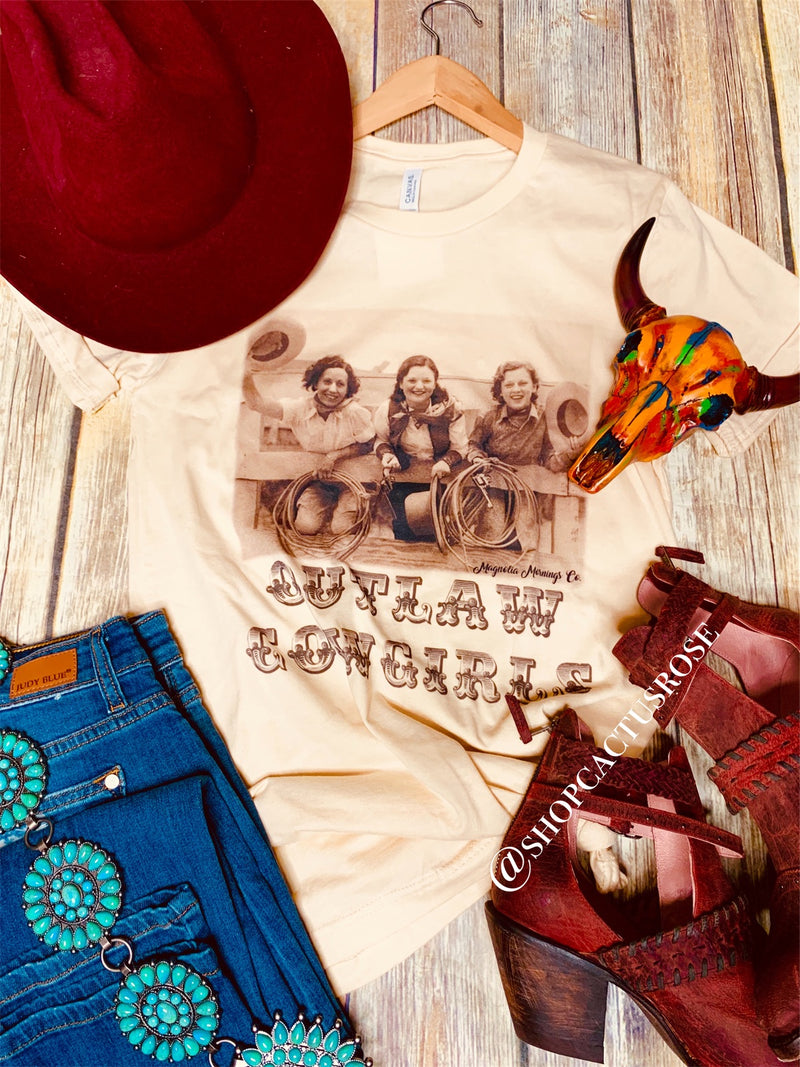 Outlaw Cowgirls Tee